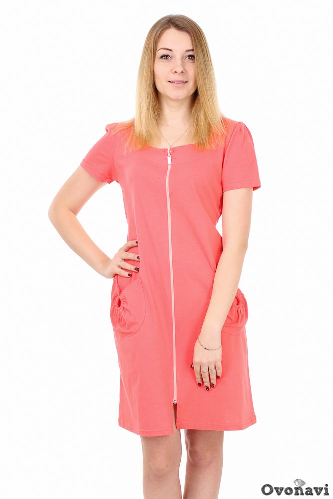 Халат женский ОмараЛегкие халаты<br>У каждой женщины свои предпочтения в выборе домашнего халата. Кто-то предпочитает длинные фасоны, пояс или пуговицы, а кто-то останавливает свой выбор на укороченных практичных моделях на молнии. Если вы относитесь ко второй группе, женский халат Омара точно вас заинтересует!<br>Модель сшита из натуральной хлопковой кулирки &amp;amp;mdash; ткани, которая замечательно подходит для пошива домашней одежды. Все дело в ее натуральном составе, обеспечивающем целый ряд ценных свойств. Во-первых, в халатике из кулирки ваша кожа всегда дышит. Во-вторых, материал хорошо впитывает излишки влаги и так же быстро высыхает, а значит, даже самые активные домашние дела вы будете делать с комфортом. И в-третьих, никакого раздражения или аллергии &amp;amp;mdash; только заботливая мягкость хлопка!<br>Фасон халатика довольно лаконичен: прямой силуэт, круглый вырез и средняя длина. В боковых швах вшит удобный притачной пояс, позволяющий повязать его как спереди, так и сзади. Основной декоративный акцент сделан на аккуратных кольцах, украшающих практичные небольшие карманы спереди. Однотонная расцветка при этом смотрится далеко не скучно. Широкий размерный ряд позволит подобрать идеальную модель точно по фигуре.<br>Женский халат Омара подойдет всем любительницам простоты и практичного комфорта в домашней одежде. Качественный хлопковый материал и максимально удобный фасон &amp;amp;mdash; его главные преимущества, не говоря уже о приятно выгодной цене. Размер: 68, Коралловый<br><br>Тип пояса: Притачной<br>Производство: Производится про запас<br>Принадлежность: Женская одежда<br>По назначению: Повседневные<br>Основной материал: Кулирка<br>Страна - производитель ткани: Россия, г. Иваново<br>Вид товара: Одежда<br>Материал: Кулирка<br>Сезон: Лето<br>Тип горловины: Круглый вырез на обтачке<br>Обработка: Низ изделия, рукава и обтачка обработаны швом в подгибку с обметанным вырезом. По карману – отделочные строчки в 0,1 см<br>Тип рукава: Втачной с защипами по ок