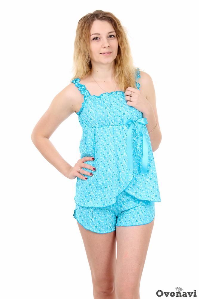 Пижама женская МиледиПижамы<br>Не все женщины чувствуют себя комфортно в просторных и длинных ночных рубашках. В качестве альтернативы они выбирают маленькие изящные пижамки, отличающиеся женственными фасонами. К таким пижамам можно отнести и женскую пижаму Миледи.<br>Изделие сшито из кулирки - мягкой хлопчатобумажной ткани, которая не вызывает аллергии и раздражения. Она практически не ощущается на теле, а значит сон в такой пижаме будет крепким и спокойным. Изящный фасон изделия позволит чувствовать себя женственной и прекрасной даже в кровати, после долгого утомительного дня. Приятная цветовая гамма располагает к отдыху.<br>Пижама Миледи представлена в нескольких цветовых вариациях - можно выбрать на свой вкус. Широкий размерный ряд и износостойкость - еще одни преимущества данного изделия. Размер: 58, Розовый<br><br>Производство: Производится про запас<br>Принадлежность: Женская одежда<br>Комплектация: Шорты, топ<br>Основной материал: Кулирка<br>Страна - производитель ткани: Россия, г. Иваново<br>Вид товара: Одежда<br>Материал: Кулирка<br>Тип горловины: На резинке в 0,8-1 см<br>Обработка: Линия горловины, бретельки, запах и низ топика, пояс и линия низа шорт отделаны декоративным швом<br>Тип застежки: Без застежки<br>Другие особенности: Атласная лента, линия низа шорт фигурная<br>Тип силуэта: Расширенный<br>Длина рукава: Без рукава<br>Длина: 18<br>Ширина: 12<br>Высота: 7<br>Размер RU: 58, Розовый