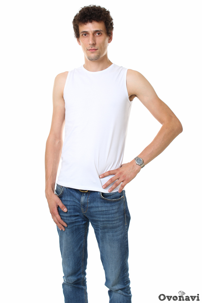 Футболка мужская ДжастинФутболки<br>Жаркая погода в летний сезон &amp;amp;mdash; вовсе не повод отказываться от того, чтобы отлично выглядеть. Более того, это возможно благодаря одной совершенно простой вещи. Такой, как мужская футболка Джастин.<br>Модель изготовлена из натурального хлопкового материала кулирки, что делает ее идеальным вариантом для лета. Мягкая легкая ткань позволяет коже дышать, впитывает излишки влаги и надолго сохраняет форму. Футболка отлично подчеркивает фигуру, не стесняя движений и не вызывая ни малейшего дискомфорта. Вещь можно носить и в холодное время года, надевая под более теплые вещи. Футболка представляет собой безрукавку прилегающего силуэта, длина изделия &amp;amp;mdash; средняя. Абсолютно простой дизайн и однотонная расцветка делают модель практически универсальной, позволяя носить ее и с джинсами, и с шортами. <br>Мужская футболка Джастин станет замечательной обновкой в вашем гардеробе, практичность и качество которой будут радовать вас на протяжении долгого времени. Весьма приятной новость также станет и привлекательно никая цена! Размер: 60, Белый<br><br>Производство: Производится про запас<br>Принадлежность: Мужская одежда<br>Основной материал: Кулирка<br>Страна - производитель ткани: Россия, г. Иваново<br>Вид товара: Одежда<br>Материал: Кулирка<br>Сезон: Лето<br>Обработка: Окантовка горловины и проймы бейкой<br>Тип силуэта: Прилегающий<br>Обработка низа: Шов в подгибку с обметанным срезом в 2 см<br>Длина: 18<br>Ширина: 12<br>Высота: 7<br>Размер RU: 60, Белый
