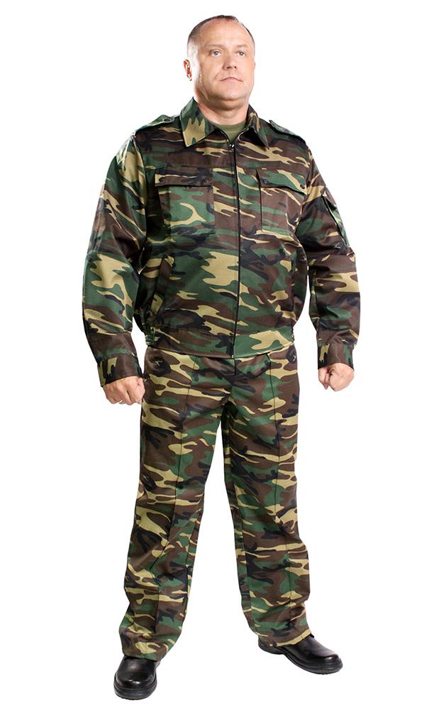 Костюм Страж (зеленый КМФ)Для охранников<br>Костюм Страж состоит из куртки и брюк. Куртка укороченная с центральной застежкой на тесьму-молнию, с нижними прорезными и верхними накладными карманами с клапанами, рукав втачной, длинный, на манжете. Низ куртки на притачном поясе, по бокам стянут на эластичную тесьму. Брюки прямые, на притачном поясе со шлевками, с центральной застежкой на тесьму-молнию, карманами с отрезным бочком и задним прорубным карманом с клапаном. По бокам регулируется патами, застегивающимися на петлю и пуговицы. Размер: 44-46<br><br>Принадлежность: Мужская одежда<br>Основной материал: Грета<br>Страна - производитель ткани: Россия, г. Иваново<br>Вид товара: Одежда<br>Материал: Грета<br>Тип застежки: Молния<br>Состав: 51% хлопок, 49% полиэстер<br>Длина рукава: Длинный<br>Длина: 27<br>Ширина: 25<br>Высота: 8<br>Размер RU: 44-46