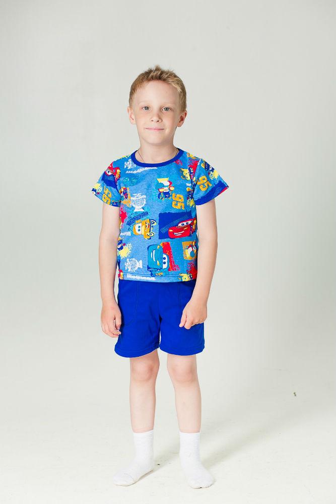 Костюм детский Кирюша (футболка+шорты)Прочие костюмы<br>Ребенку для счастья многого не надо - лишь бы никакие неприятные ощущения, вызываемые одеждой, которую он носит, не омрачали радость его беззаботного детства. И для родителей малыша сделать это будет совсем не трудно!<br>Детский костюм Кирюша - это футболочка с ярким принтом и удобные однотонные шортики с двумя большими и вместительными карманами по бокам. Футболка и шорты данного костюма сшиты из натурального хлопкового материала, поэтому тело ребенка в них несомненно будет дышать, а ощущения дискомфорта не возникнет даже не протяжении долгой носки.<br>Костюм также имеет очень стойкий окрас, и расцветка очень долгое время остается такой же насыщенной, какой была в день покупки! Размер: 32<br><br>Принадлежность: Детская одежда<br>Возраст: Дошкольник (1-6 лет)<br>Пол: Мальчик<br>Основной материал: Кулирка<br>Вид товара: Детская одежда<br>Материал: Кулирка<br>Состав: 100% хлопок<br>Длина: 19<br>Ширина: 10<br>Высота: 6<br>Размер RU: 32