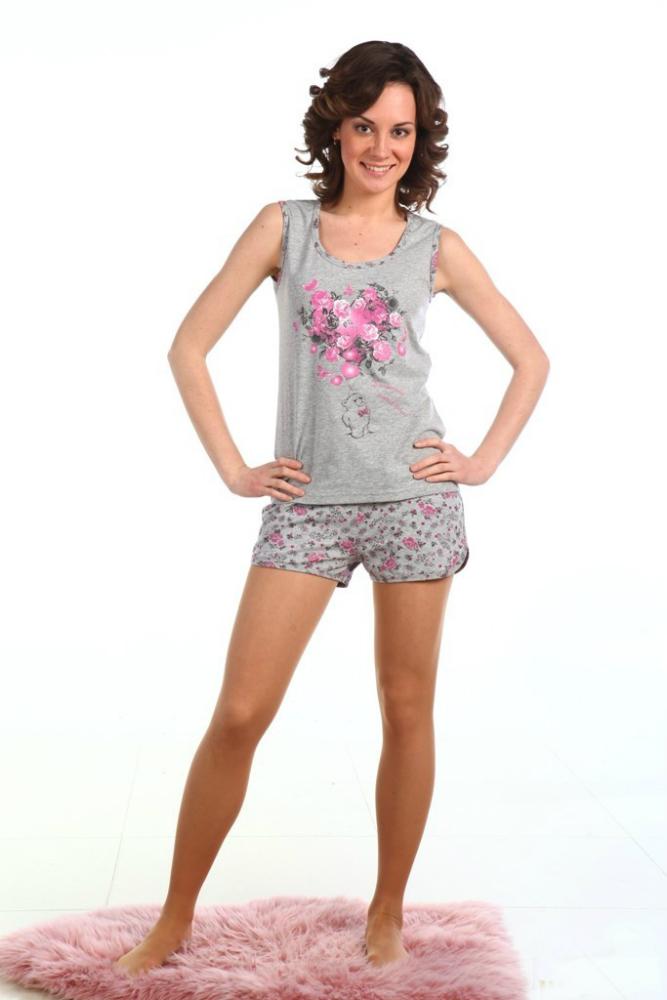 Пижама женская МаргариПижамы<br>Удобная одежда для сна - одна из составляющих комфортного, здорового, полноценного отдыха. Поэтому непременно обратите внимание на женскую пижаму Маргари!<br>Тонкая кулирка - оптимальный материал. Такая ткань практически не ощущается на теле, а заодно не причиняет дискомфорт. Ее особенность в петельном плетении, за счет которого ткань воздушна, легка и прочна. Кулирка гигроскопична, так что хорошо поглощает влагу и быстро сохнет. Такие вещи гораздо приятнее, чем паркая синтетика.<br>Стильная расцветка женской пижамы Маргари придется по вкусу современным модницам. Краски еще долго не выцветают, не блекнут. В наличии - разные размеры комплекта из майки и шорт.  Размер: 46<br><br>Принадлежность: Женская одежда<br>Основной материал: Кулирка<br>Страна - производитель ткани: Россия, г. Иваново<br>Вид товара: Одежда<br>Материал: Кулирка<br>Сезон: Лето<br>Тип застежки: Без застежки<br>Состав: 100% хлопок<br>Длина рукава: Без рукава<br>Длина: 18<br>Ширина: 12<br>Высота: 7<br>Размер RU: 46