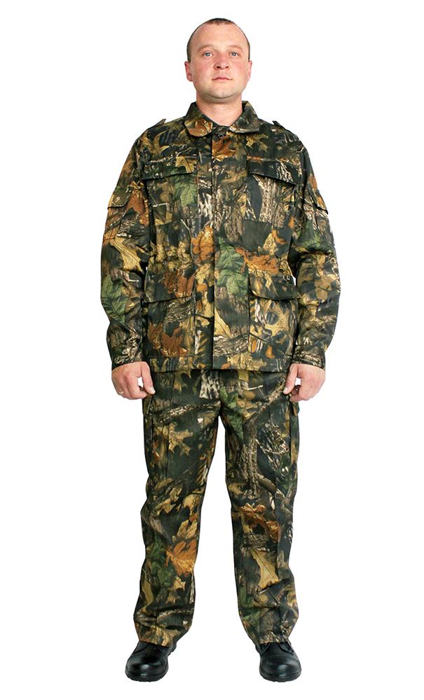 Костюм военно-полевой Грета (Лес)Для прочих профессий<br>Костюм военно-полевой  состоит из куртки и брюк. Куртка с центральной потайной застежкой на петли и пуговицы, по линии талии стянута эластичной тесьмой, с четырьмя объемными накладными карманами с клапанами, рукав втачной на манжете с накладными карманами. Брюки на притачном поясе с широкими шлевками и застежкой на петли и пуговицы, двумя карманами с отрезным бочком, по боковым швам в зоне бедра расположен накладной объёмный карман с клапаном.  Размер: 44-46<br><br>Высота: 8<br>Размер RU: 44-46